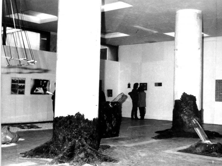 """Expoziţia Spaţiul-obiect, Institutul de Arhitectură """"Ion Mincu"""", Bucureşti, 1982"""