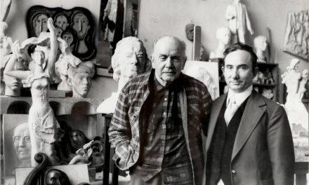 Vasile Grigore și Ion Irimescu, în atelierul sculptorului