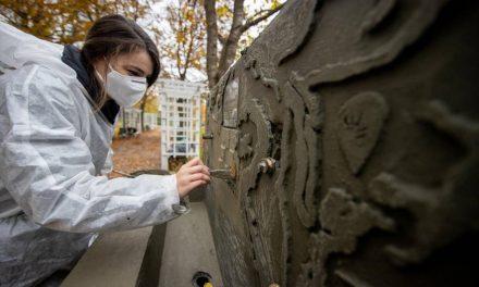 3 fântâni publice din Timișoara se transformă cu ajutorul artiștilor