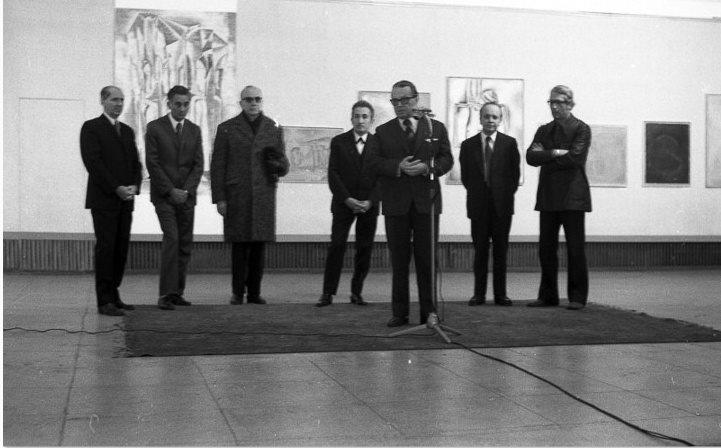 Expoziție Dan Hatmanu, Sala Dalles, la microfon Ion Frunzetti