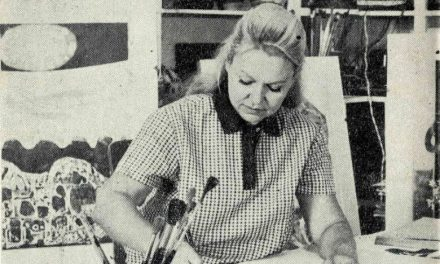 Emilia Dumitrescu la masa de lucru, 1970