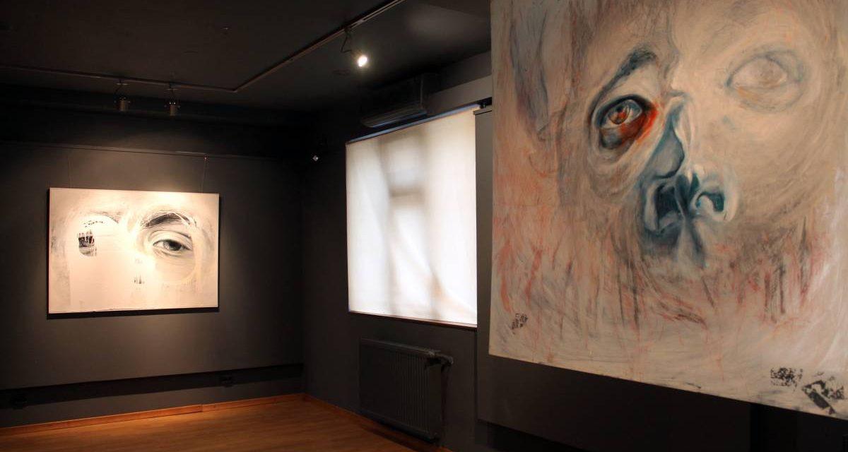 """Expoziție Ioana Palamar """"Anestezie"""" @ Galeria de artă DANA din Iași"""
