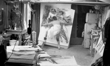 """Nicăpetre în atelierul de desen din Toronto, cu """"Artistul și Muza"""" în brațe"""