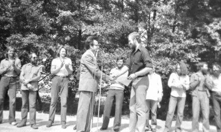 Festivitatea de premiere a taberei de sculptură de la Hobița, 1981