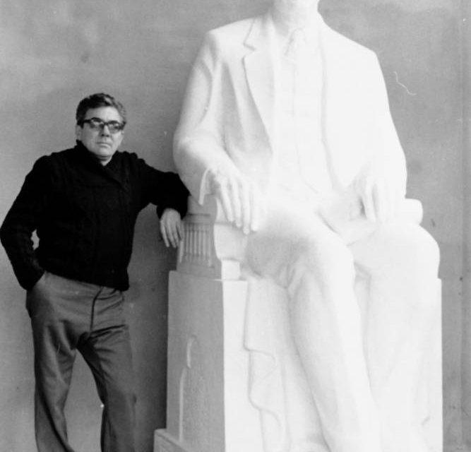 Sculptorul Ion Damaceanu, 1983
