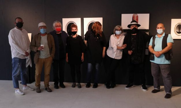 """Expoziția """"7"""", proiect de schimb cultural organizat de Universitatea Națională de Arte din Bucuresti și Universitatea Konstantin Preslavsky Shumen- Bulgaria"""