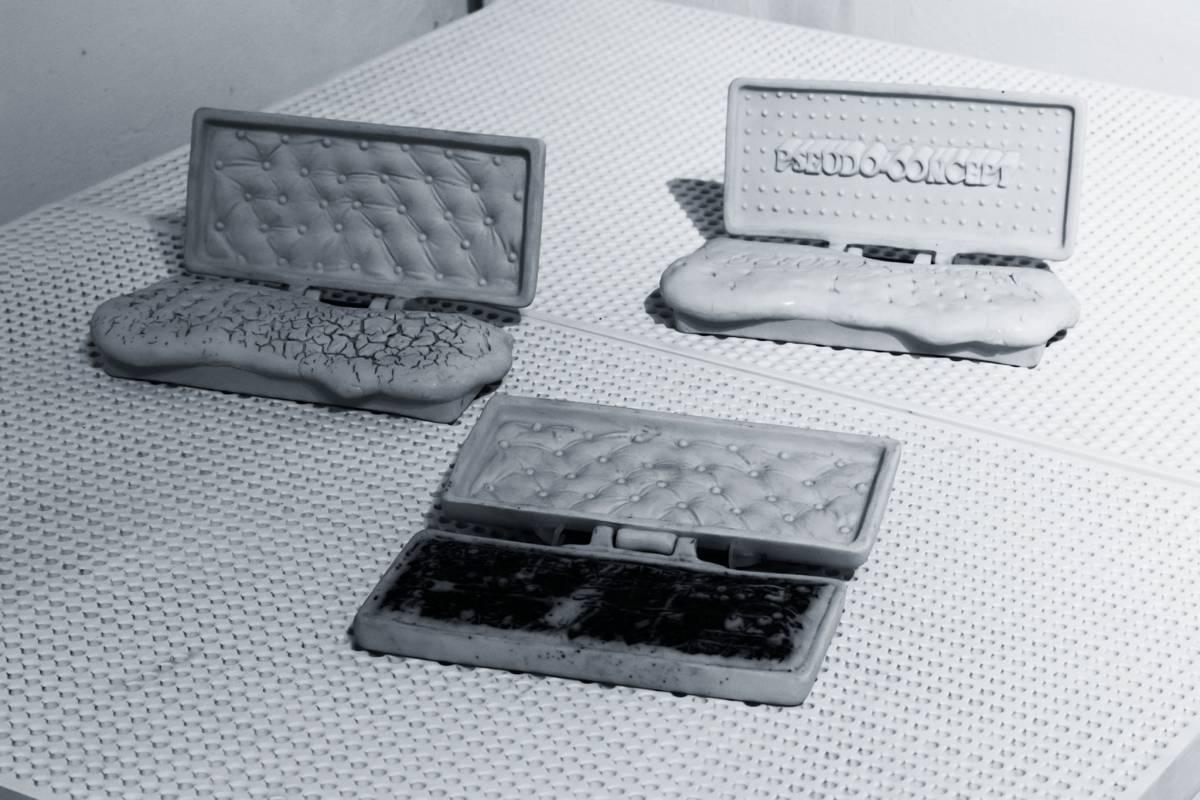 Al.ANTIK_Ipoteze de obiecte, 3 obiecte plastice din seria 1978-1981