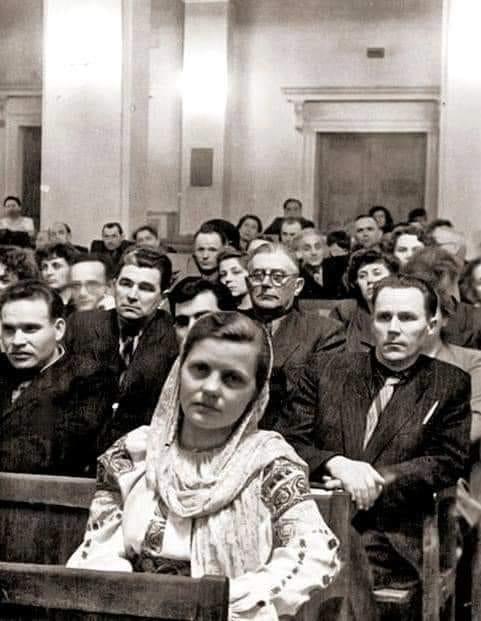 Pictorița Valentina Rusu-Ciobanu, în ie, la o conferință în Kiev, 1964