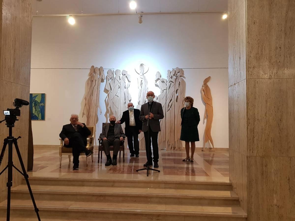 Mircia Dumitrescu, alături de Carmen Mușat , Răzvan Theodorescu, Nicolae Breban și Calin Stegerean, la Muzeul Național de Artă al României (1)